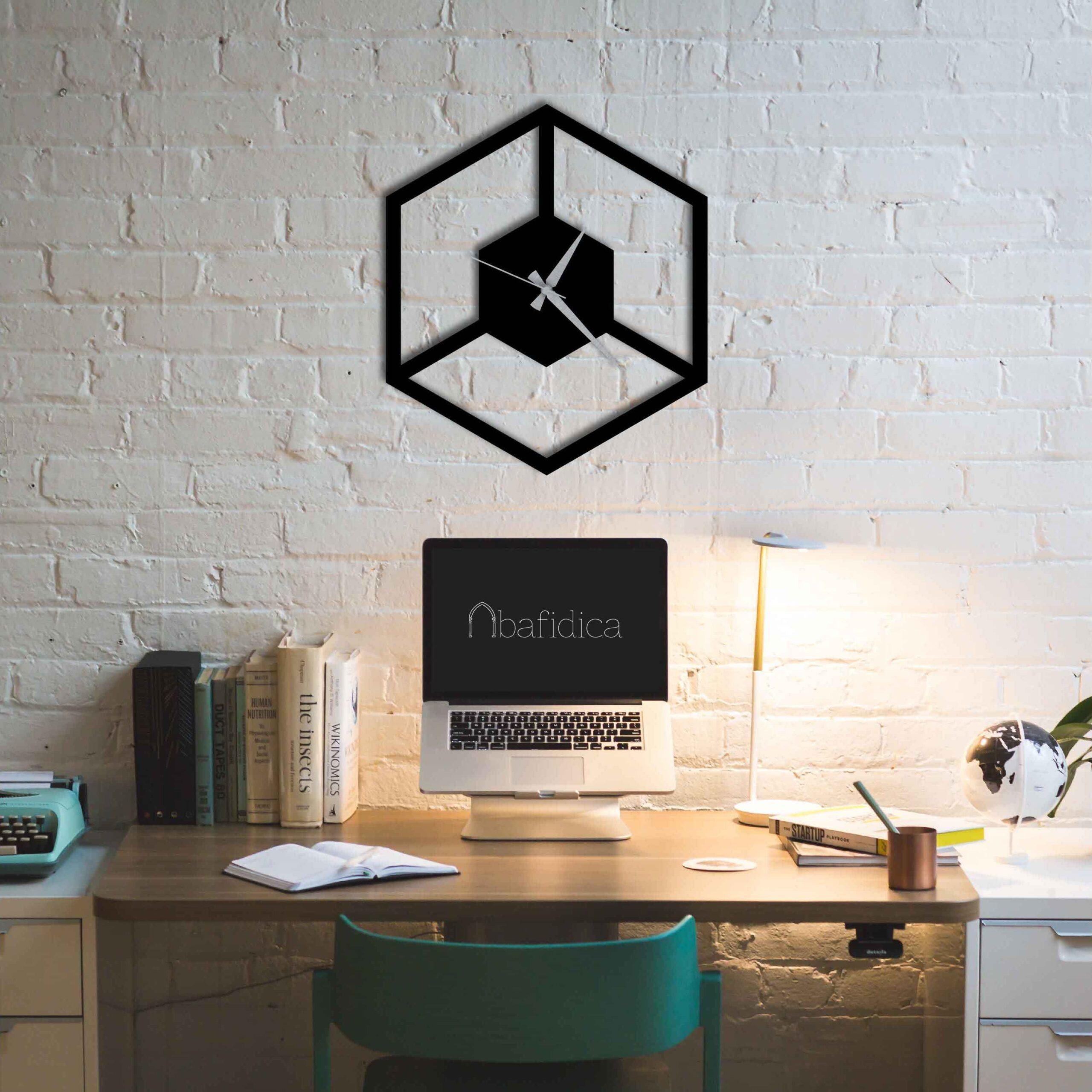 Cube in Cube – Metal Duvar Saati